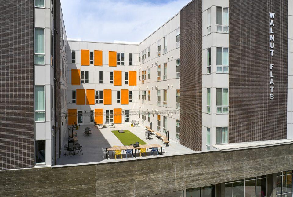 Walnut Flats Exterior Courtyard
